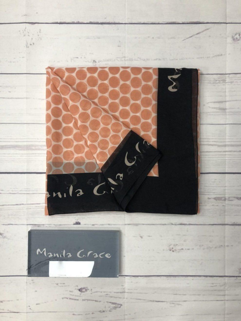 foulard nero e rosa e scritta sul bordo