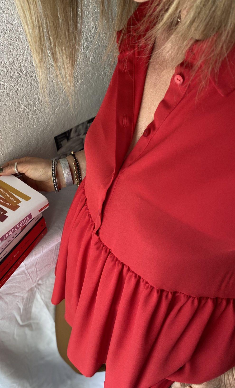 Top rosso Manila Grace - particolare scollatura
