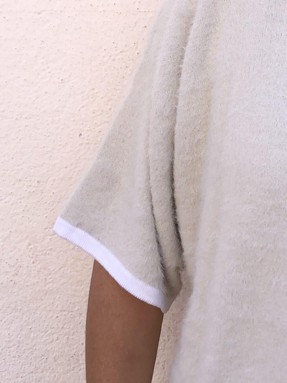 Maglia scatoletta Manila Grace particolare- manica